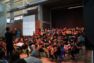 Alumnes de l'Escola Municipal de Música de la Seu d'Urgell participen a la 5a Trobada de Guitarres de l'ACEM