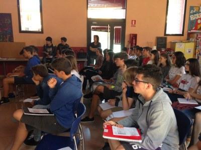 """Comença la 7a edició del Projecte d'Aprenentatge i Servei """"Tots som joves, tots som grans"""""""