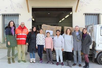 El tió solidari de l'escola Albert Vives recull 543 quilos d'aliments