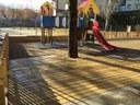 Els alumnes d'infantil de l'escola Pau Claris estrenen millores al seu pati de jocs