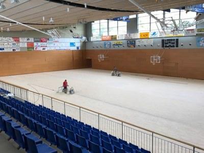 Reparació de la superfície de la pista del Palau d'Esports de la Seu d'Urgell