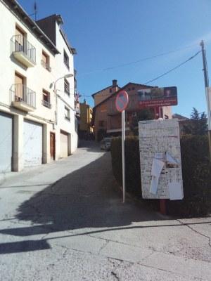 Es demana la col·laboració ciutadana de no aparcar en ple barri de Sant Pere
