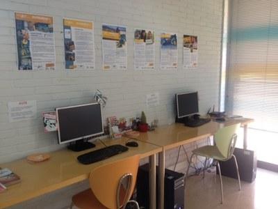 Es torna a posar en funcionament l 39 espai actiu de recerca for Oficina jove de treball