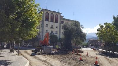 Iniciades les obres de reurbanització de la plaça de les Moreres