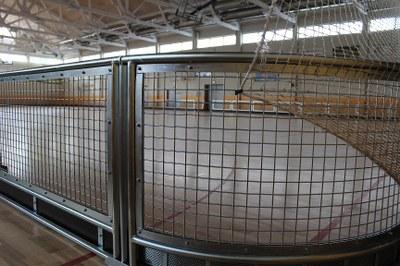 Instal·lada una nova tanca d'hoquei patins al pavelló poliesportiu