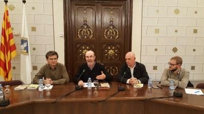 Joan Obiols omple la sala d'actes de l'Ajuntament de la Seu amb la presentació dels seus dos llibres dedicats a l'Alta i Baixa Cerdanya