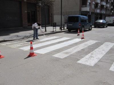 L'Ajuntament de la Seu d'Urgell inicia la repintura de la senyalització horitzontal existent dels carrers de la ciutat
