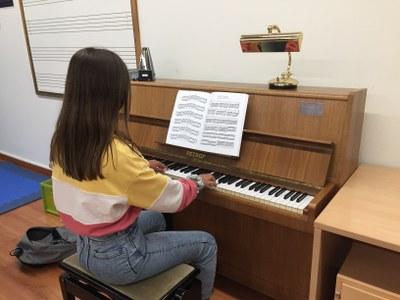 L'Escola Municipal de Música inicia el nou curs amb mascareta, mampares i ampliació d'espais, entre d'altres mesures de seguretat