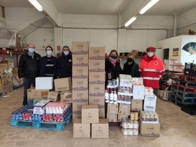 La Confraria de Sant Antoni de la Seu d'Urgell dona aliments al projecte Aliments per la Solidaritat