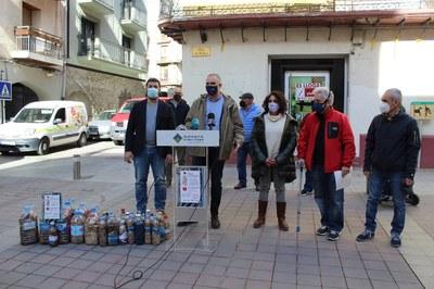 La Seu d'Urgell inicia una campanya de sensibilització sobre la problemàtica ambiental de les burilles a terra