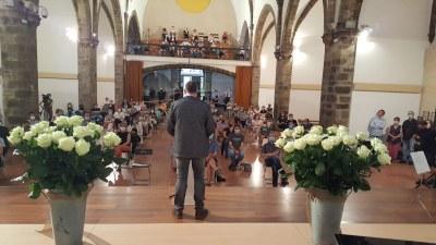 La Seu d'Urgell ret un emotiu homenatge als urgellencs i urgellenques morts durant la pandèmia