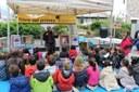 La Seu viu una Diada de Sant Jordi intergeneracional plena de llibres i roses