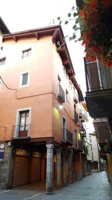 Nova convocatòria per rehabilitar i repintar porxos i façanes dels carrers Major i  Canonges, i de Castellciutat