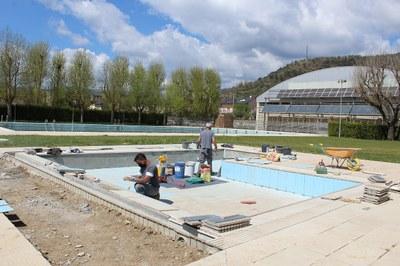 Obres de manteniment a la piscina infantil de la zona esportiva municipal